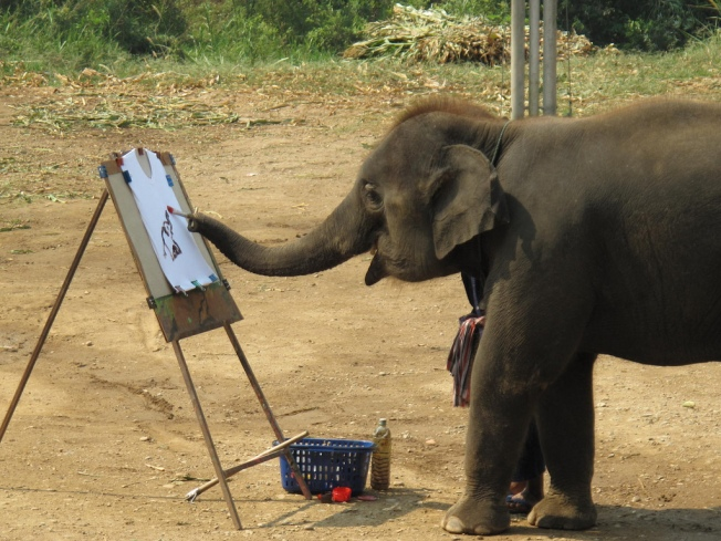elephant-painting-itself